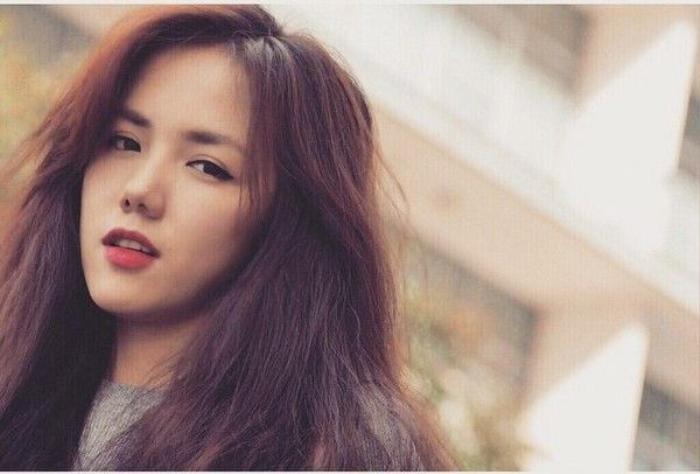 Phương Ly là em gái ca sĩ Phương Linh. Cô nàng sở hữu gương mặt xinh đẹp cùng nhiều tài lẻ.