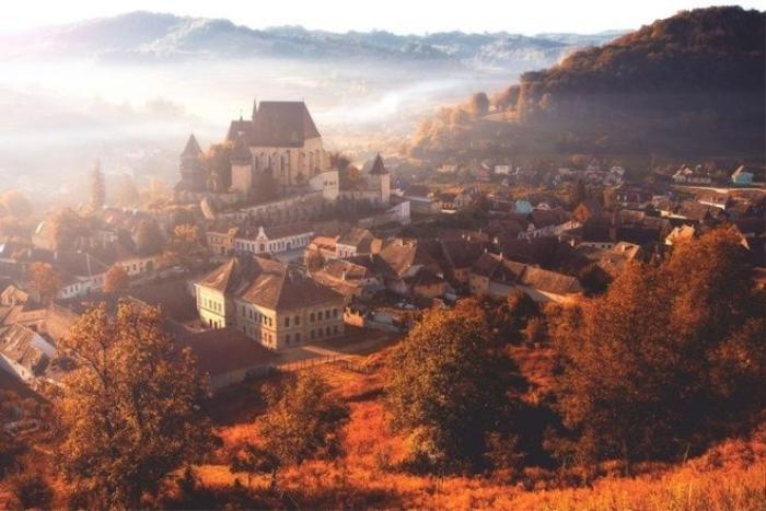 Biertan, Transylvania, Romani nổi tiếng với những tòa nhà đẹp như lâu đài trong cổ tích.