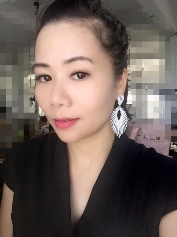 vo-dai-gia-chu-dang-khoa-khoe-tai-san-khung-hon-ca-ho-ngoc-ha-20-135108