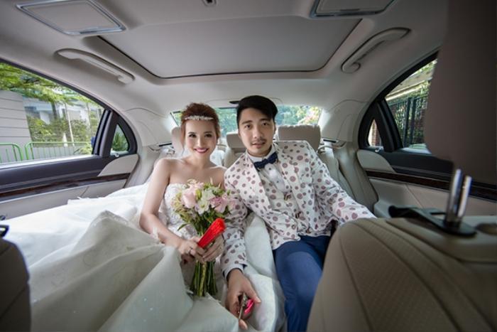 Cặp đôi háo hức trong lễ đón dâu.