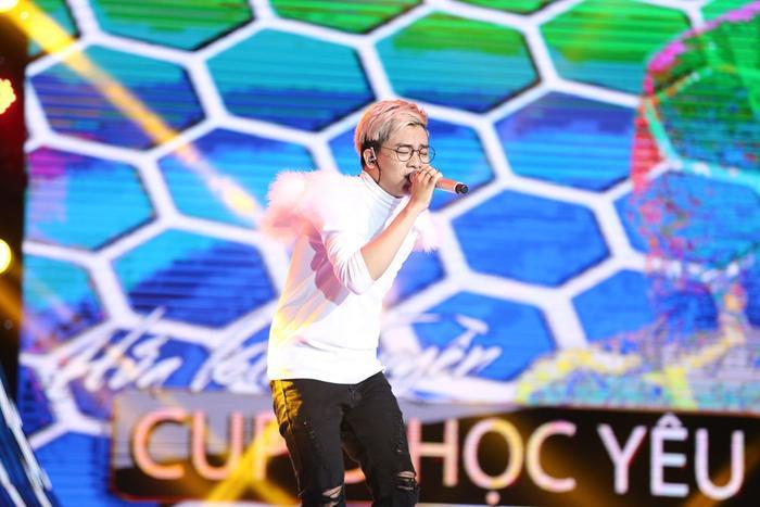 Với Cupid học yêu, Kim Tuyền đã mang lại cho sân khấu Sing My Song một màu sắc âm nhạc mới, trẻ trung từ giai điệu, lời ca đến phong cách trình diễn.