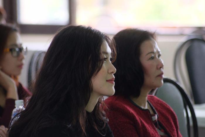 Vẻ cuốn hút từ mọi góc nhìn của Hoa hậu Việt Nam 2008.