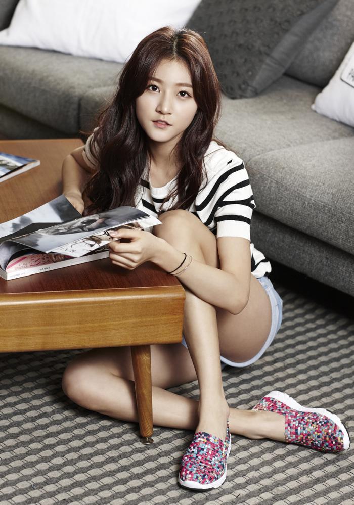 Vừa qua, Kim Sae Ron đã chính thức đầu quân về nhà YG Entertainment và hiện đang tìm kiếm cơ hội tỏa sáng thật sự như hai đàn chị họ Kim phía trên.
