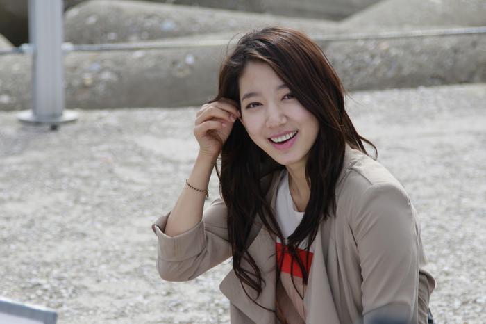 """Danh hiệu """"em gái quốc dân"""" của Park Shin Hye không phải do truyền thông bình chọn mà chính khán giả đã ưu ái và dành tặng cho cô."""