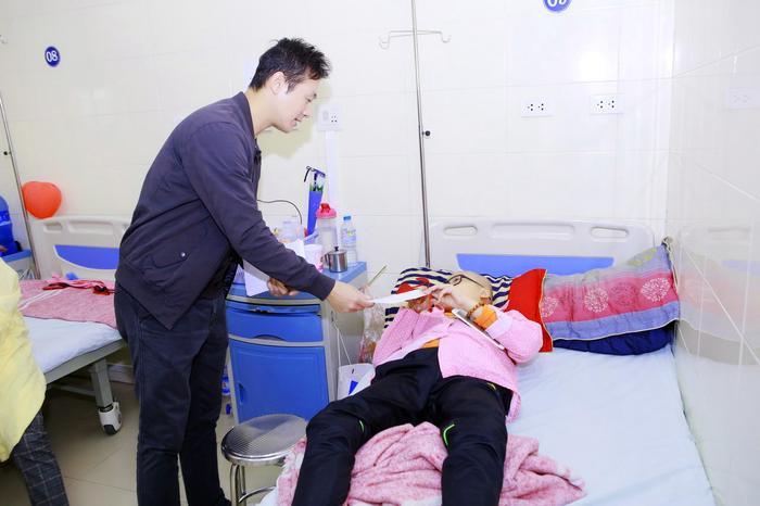 MC Anh Tuấn muốn gửi lời cám ơn đến các ca sĩ và nhiều cá nhân đã hỗ trợ thực hiện đêm nhạc ấn tượng cho khán giả.