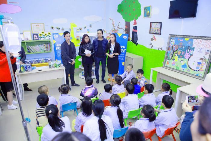 MC Anh Tuấn - thành viên trong BTC chương trình Trần Lập - Hẹn gặp lại cho biết, một phần doanh thu được trích làm từ thiện còn số tiền còn lại lại sẽ được tặng cho 2 con của nhạc sĩ - ca sĩ Trần Lập là Trần Bình Minh và Trần Minh Tú để ăn học trong tương lai.