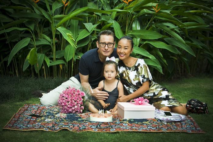 Sau thời gian chăm sóc cho gia đình nhỏ, Đoan Trang đã sẵn sàng cho các sản phẩm âm nhạc trở lại.