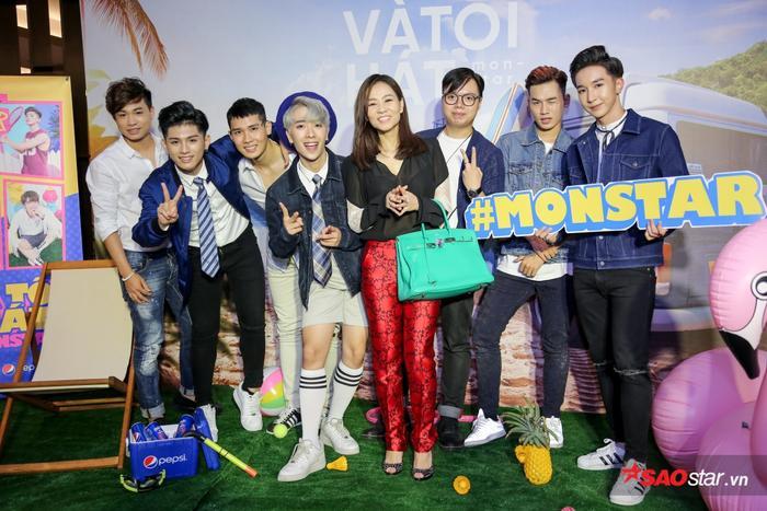 Thu Minh cùng học trò The Voice xuất hiện trong buổi ra mắt MV Và tôi hát.