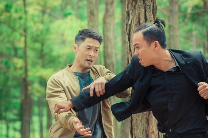 Chán làm mỹ nam hành động, Johnny Trí Nguyễn chuyển hướng thành vú em bỉm sữa ảnh 2