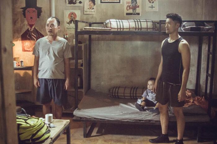 Chán làm mỹ nam hành động, Johnny Trí Nguyễn chuyển hướng thành vú em bỉm sữa ảnh 6