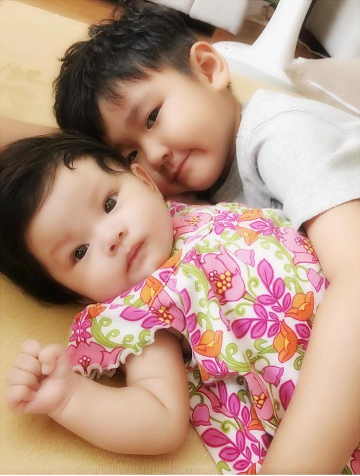 Con trai Thành Đạt sang nhà, giúp Hải Băng chăm sóc em gái ảnh 6