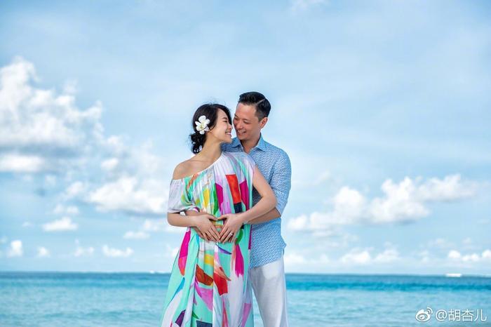 Dường như sau bao nhiêu biến cố, Hồ Hạnh Nhi đang rất hạnh phúc bên gia đình nhỏ của mình.
