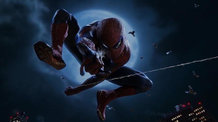 1.The Amazing Spider-Man: Người nhện là một trong những siêu anh hùng mang tính biểu tượng của Marvel Comics. Tuy nhiên, đa số khán giả cảm thấy thất vọng với The Amazing Spider-Man vì kịch bản dài dòng, quá ít cảnh hành động và một nhân vật phản diện không đủ sức hút. Chuyện tình yêu trẻ trung và lãng mạn của Peter Parker (Andrew Garfield) và Gwen Stacy (Emma Stone) là không đủ để cứu bộ phim. Ảnh: Columbia Pictures.