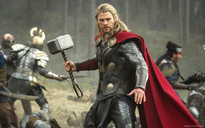 2. Thor: The Dark World (2013): Đây là bom tấn hiếm hoi của Marvel Studios bị chỉ trích là kém chất lượng. Trong phim, tình yêu lãng mạn xuyên không gian của Thần sấm Thor và Jane Foster bị thể hiện nhạt nhẽo, còn siêu ác nhân Malekith hành động như một kẻ tầm thường. Suốt hai tiếng của bộ phim, các nhân vật chạy loanh quanh một cách vô định. Ảnh: Marvel Studios.