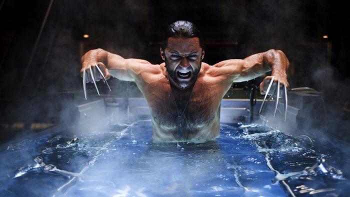3.X-Men Origins: Wolverine: Tập phim Dị nhân riêng về Wolverine (Người sói) được hãng 20th Century Fox đưa vào sản xuất mà không có kịch bản hoàn chỉnh, đồng thời đạo diễn và hãng phim có nhiều mâu thuẫn. Hậu quả là Wolverine trở nên nhạt nhẽo, thiếu điểm nhấn. Nhiều khán giả hâm mộ loạt phim X-Men cũng tỏ ra phẫn nộ với việc nhà sản xuất biến tấu quá đà nhân vật Wade Wilson/Deadpool. Ảnh: 20th Century Fox.