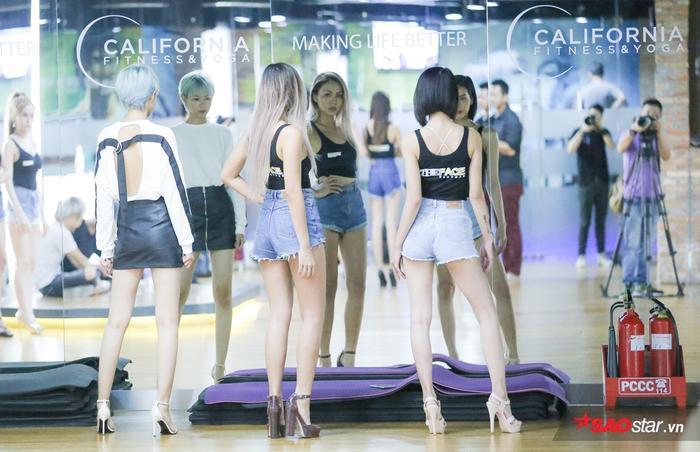 Không chỉ được tập luyện những kỹ năng cơ bản của nghề người mẫu là catwalk…