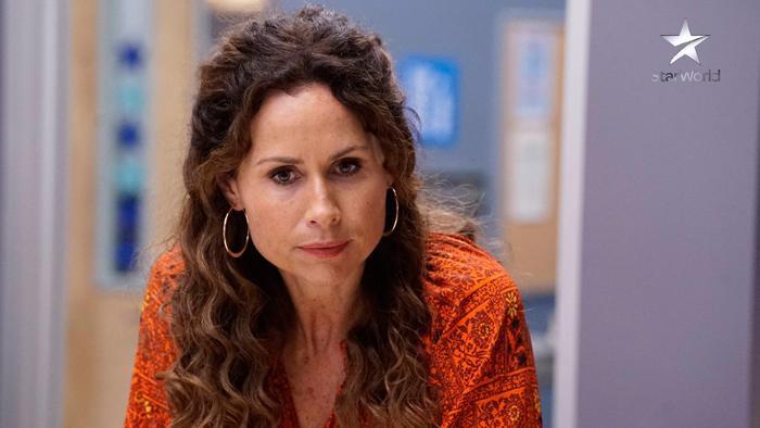 """Maya Dimeo - người mẹ """"vô phép tắc"""" của màn ảnh Anh"""