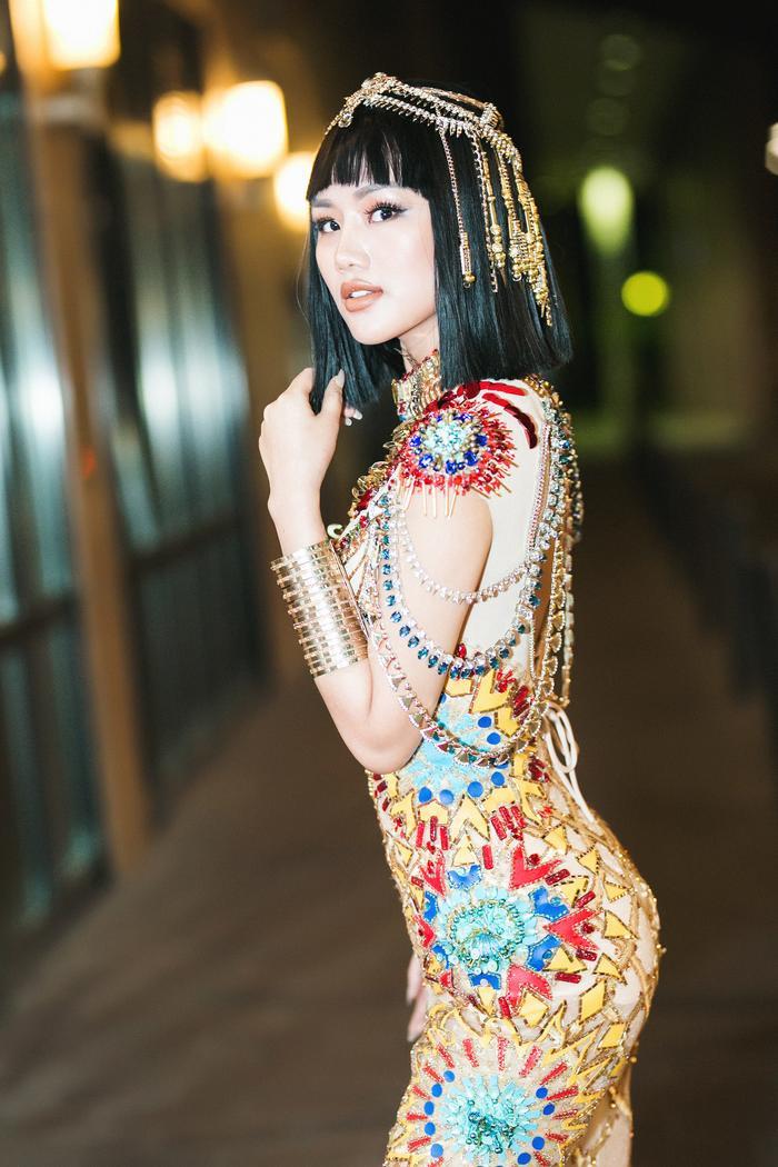 Được biết, người cosplay hình tượng này là Lâm Thuỳ Anh – Á hậu 4 của cuộc thi Hoa Hậu Sắp Đẹp Hoàn Cầu.