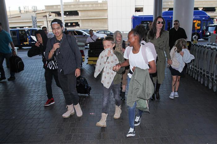 Angelina Jolie đến châu Phi và mang nỗi nhớ nhung khôn nguôi về Brad