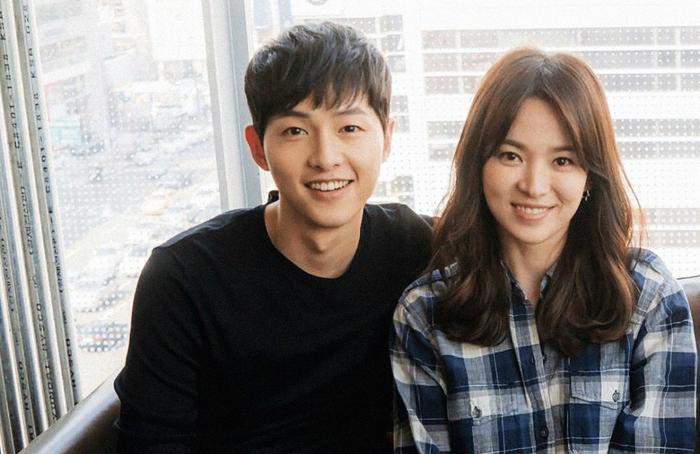 Trang Koreaboo cho hay,Song Joong Ki và Song Hye Kyo sẽ cùng nhau di chuyển sang một ngôi nhà mới ngay cạnh ngôi nhà của hai ngôi sao Rain và Kim Tae Hee.
