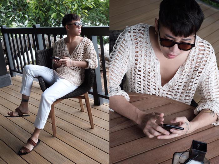 Mẫu áo len đan lưới với tông màu trắng tuy đơn giản nhưng lại là hot trend cho những ngày hè nóng bức. Sự kết hợp giữa ba tông màu trắng, be và nâu đã tạo nên một tổng thểhài hòa hút mắt và trẻ trung.