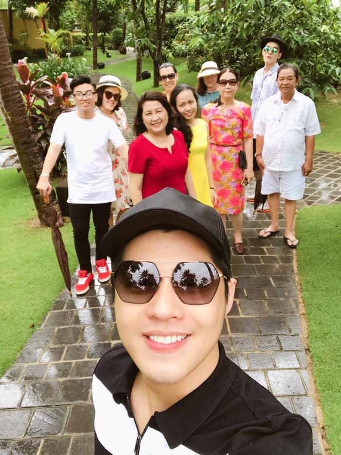 Noo Phước Thịnh tận hưởng khoảng thời gian đầm ấm, hạnh phúc bên gia đình.