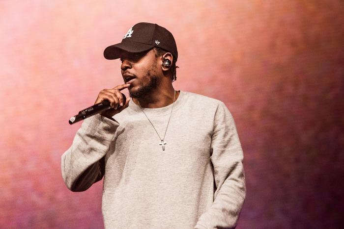 Huyền thoại Tupac Shakur chính là người có ảnh hưởngnhất đối với Kendrick Lamar, trong cả âm nhạc lẫn phong cách sống