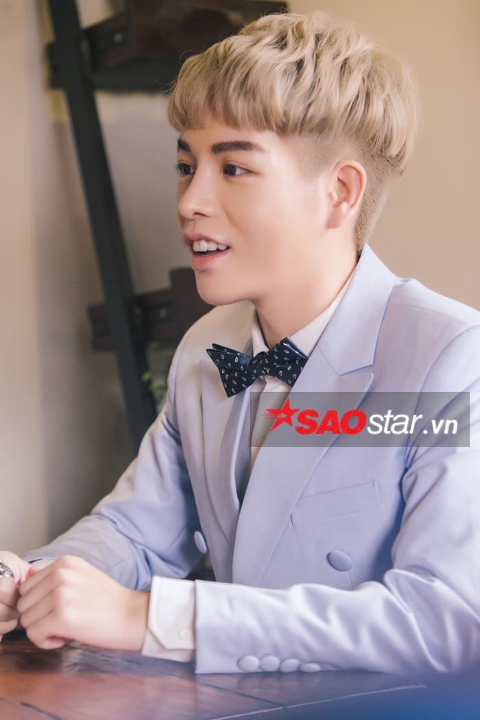 Sau thẩm mỹ, Đức Phúc được ví như Noo Phước Thịnh  Song Joong Ki  Xiu Min (EXO) ảnh 16