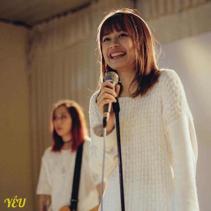 Chi Pu trong phim Yêu.