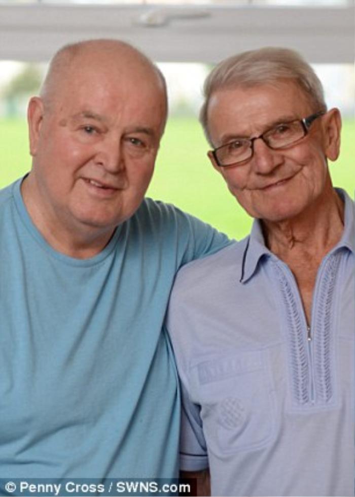 Cặp đồng tính nam gắn bó với nhau lâu nhất nước Anh
