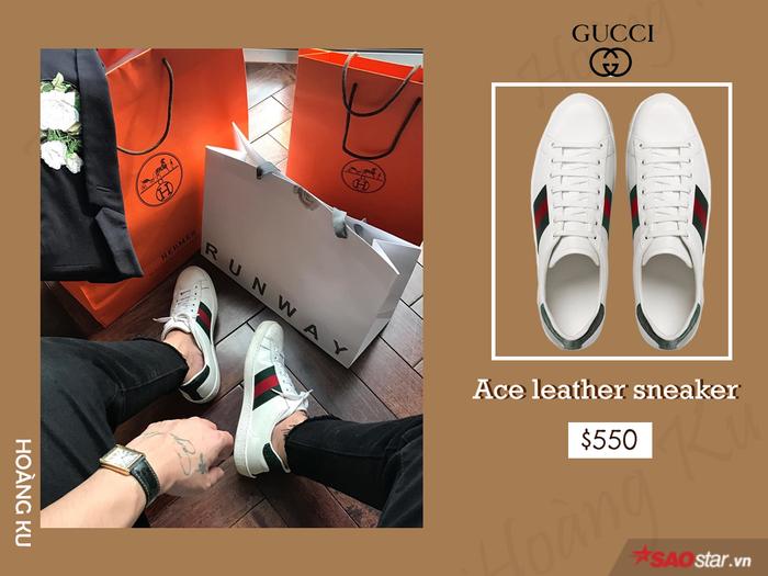 Đơn giản chưa bao giờ lỗi mốt. Sneaker trắng phối gì cũng hợp nhưng phải là sneaker trắng Gucci thì mới có thể đẹp không tì vết như này.