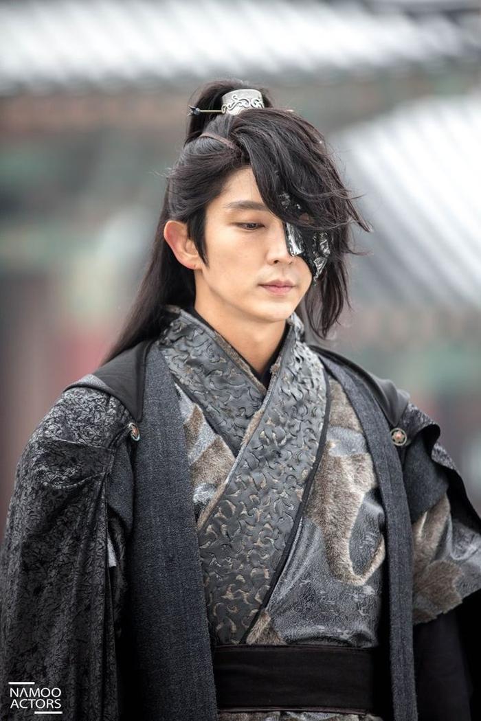 """Ra mắt gần 12 năm, cho đến nay, Lee Jun Ki vẫn là """"nam thần"""" được yêu mến nhất nhì màn ảnh xứ Hàn."""