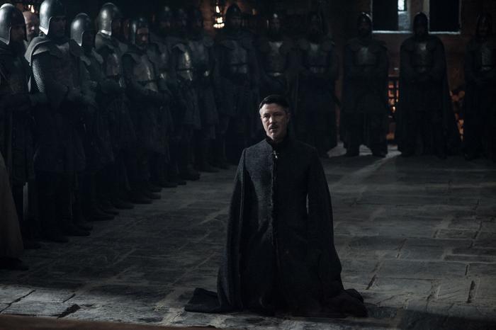 Kẻ ác Petyr Baelish lại bị xử lý rất đơn giản trong season 7.