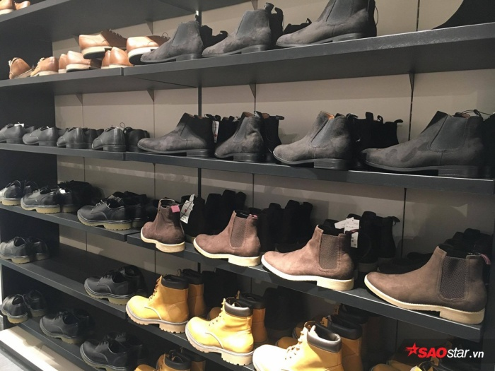 Quầy Chelsea Boots cho các anh.