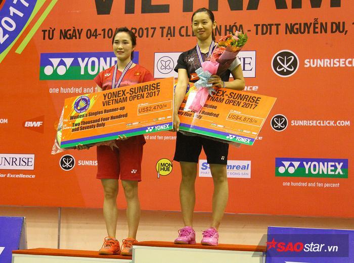 Vũ Thị Trang trong lễ trao giải.