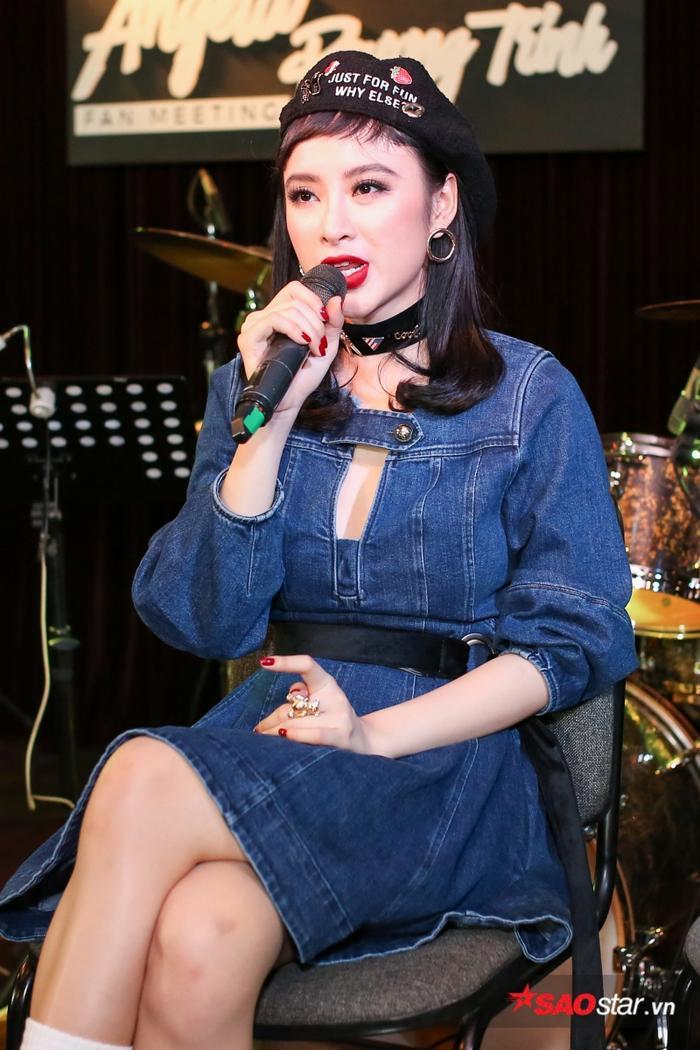 Hiện tại, Angela Phương Trinh chuẩn bị cho một sản phẩm âm nhạc. Cô cho biết mình phải tập trung luyện thanh để có được giọng hát tốt nhất. Ngoài ra, vì dự án âm nhạc sắp tới là ca khúc nhạc dance sôi động nên cô cũng đầu tư khá nhiều để phần vũ đạo ấn tượng, đẹp mắt.