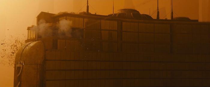 Cùng là phim remake nhưng 'Blade Runner 2049' lên mây còn 'Flatliners' thua thảm hại