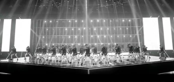 Show cứu vớt hào quang The Unit tung teaser sân khấu hoành tráng, Bi-Rain xuất hiện 'như một vị thần'