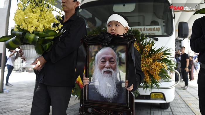 0 giờ 27 phút ngày 09/10/2017, PGS. Văn Như Cương trút hơi thở cuối cùng sau 3 năm chiến đấu với bệnh ung thư gan, hưởng thọ 80 tuổi.