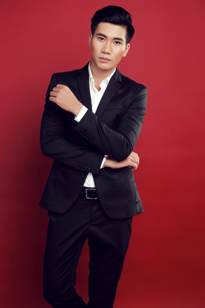 Ngọc Sơn được thầy khen là một trong những giọng ca trẻ hát bolero mướt nhất hiện nay.