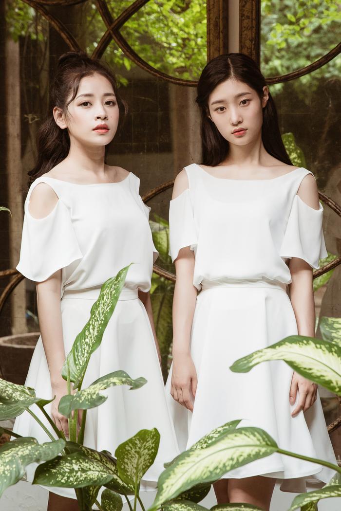 """""""Đọ sắc"""" cùng nữ thần thế hệ mới đình đám nhất nhì Kpop, Chi Pu không hề khiến fan Việt thất vọng."""