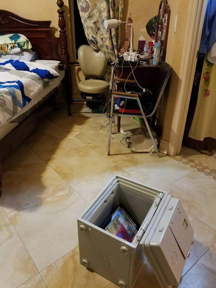 Cận cảnh két sắt của Dương Triệu Vũ bị trộm phá khóa.