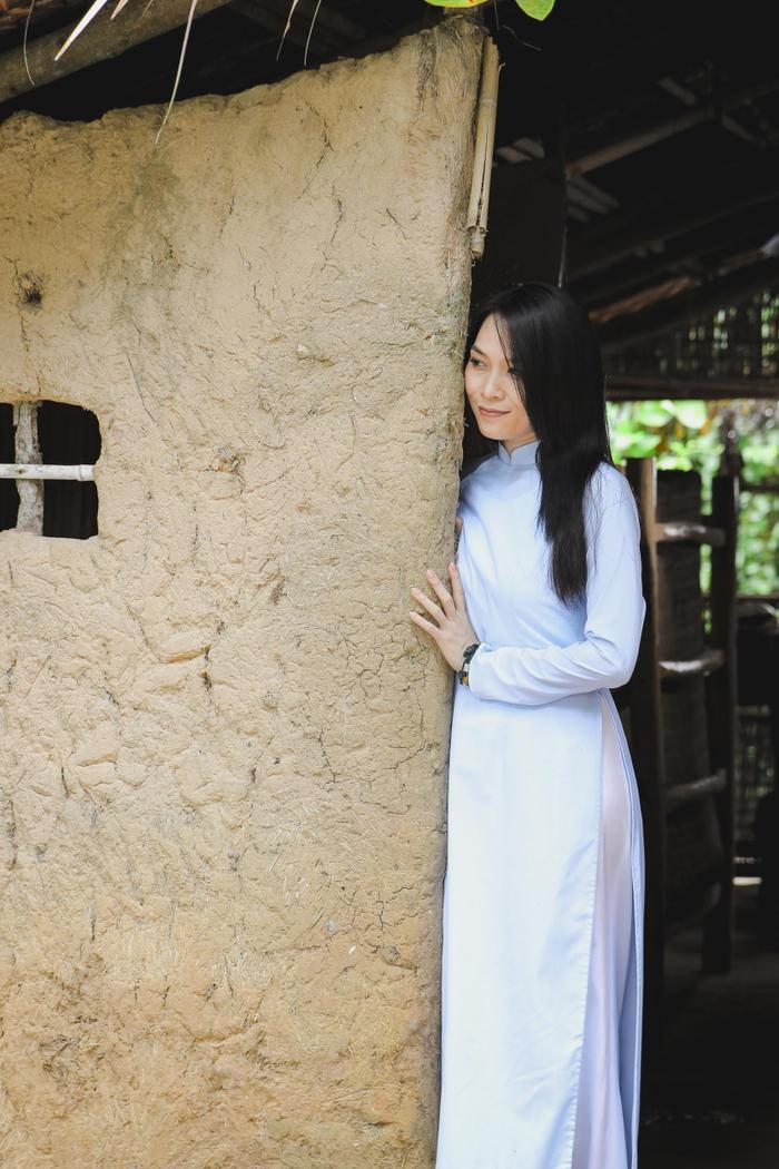 Đây cũng là tên của sáng tác mới nhất của Họa mi tóc nâutrong năm 2017 do nhạc sĩ Khắc Hưng phối khí.