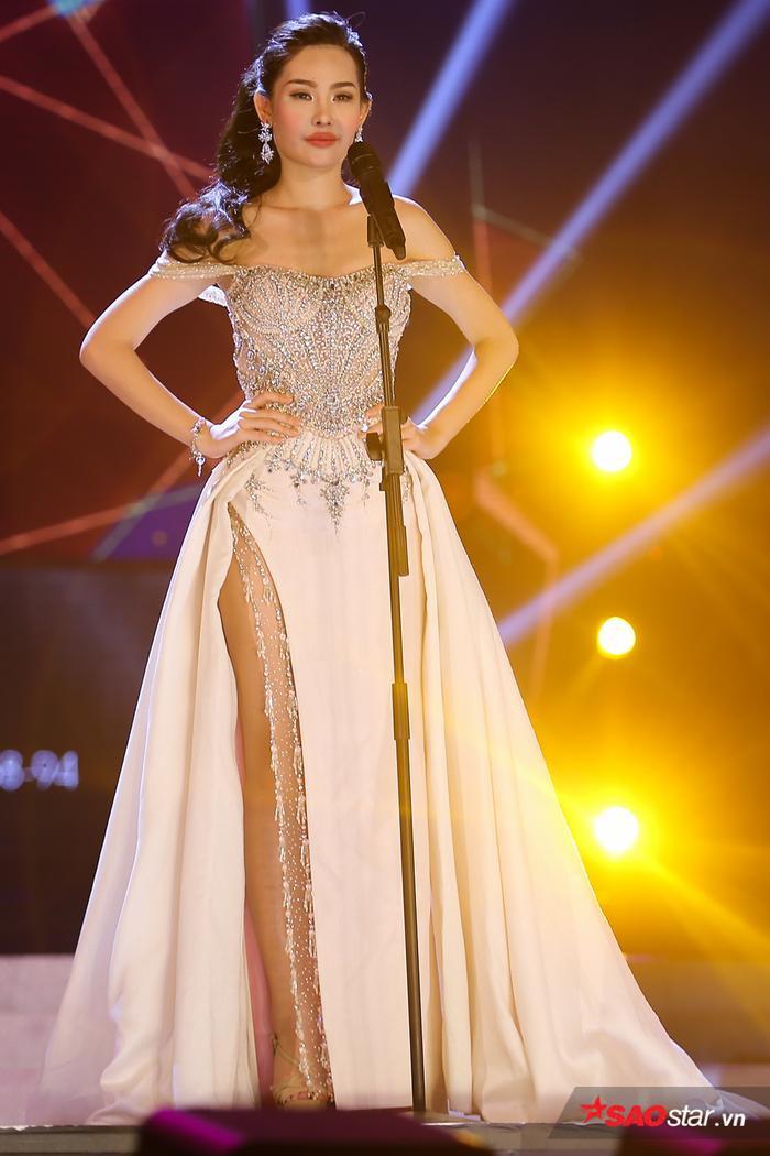 Ngân Anh tự tin mình đủ khả năng để trở thành một Hoa hậu Đại dương bởi bản thân có học thức, sắc vóc tốt, chiều cao và hình thể đẹp.