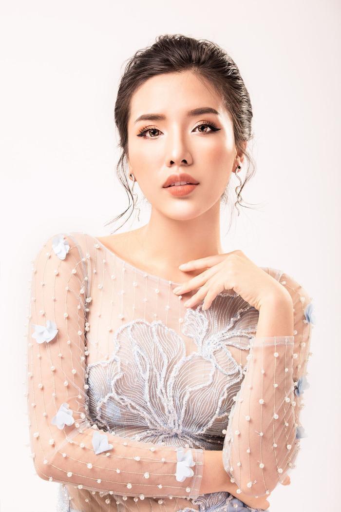 Khánh Phương giành ngôi vị Á hậu 2 của Hoa hậu Biển Việt Nam 2016.