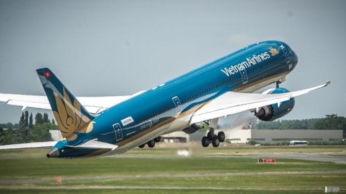 Vietnam Airlines hủy 10 chuyến bay do ảnh hưởng của bão số 12