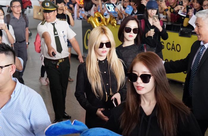 Các thành viên T-ara trở lại Việt Nam sau 4 ngày tổ chức concert tại đây.