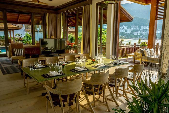 Nhà hàng đẳng cấp thế giới có mặt hướng ra bãi biển trữ tình sẽ phục vụ cho các đại biểu APEC.