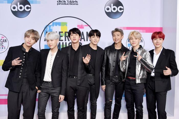 Sau PSY với Gangnam Style tại AMAs 2012, BTS là nghệ sĩ Kpop tiếp theo xuất hiện ở lễ trao giải lớn trên đất Mỹ.