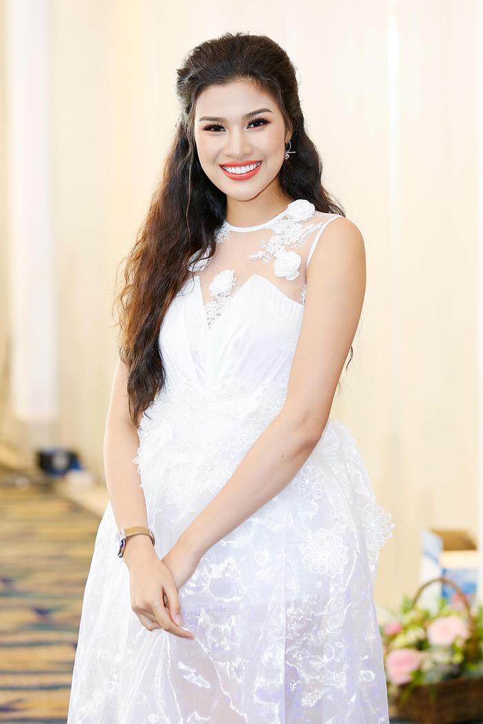 Năm 2016, Nguyễn Thị Thành xin rút khỏi cuộc thi Hoa hậu Việt Nam vì nghi án phẫu thuật thẩm mỹ. Sau đó, cô tự mình lên đường sang Ai Cập dự thi Miss Eco International 2017 (Hoa hậu Du lịch sinh thái Quốc tế 2017) và đạt giải Á hậu 3. Hiện tại, người đẹp hoạt động với vai trò người mẫu, MC tại TP.HCM .